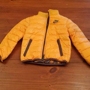 Nwot nike boys size 4 reversible puffer jacket